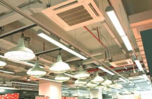 广州番禺某百货商场螺杆机中央空调清洗案例